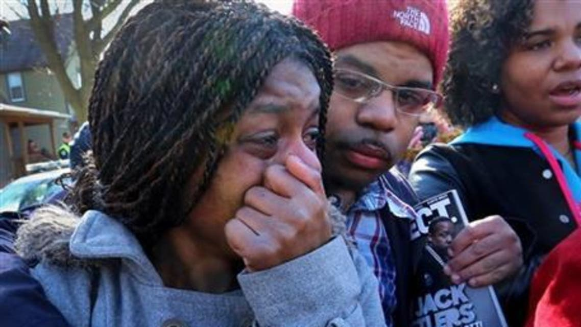 أميركا.. مظاهرات احتجاجا على قتل الشرطة مراهقا أسود في مدينة ماديسون بولاية ويسكونسن