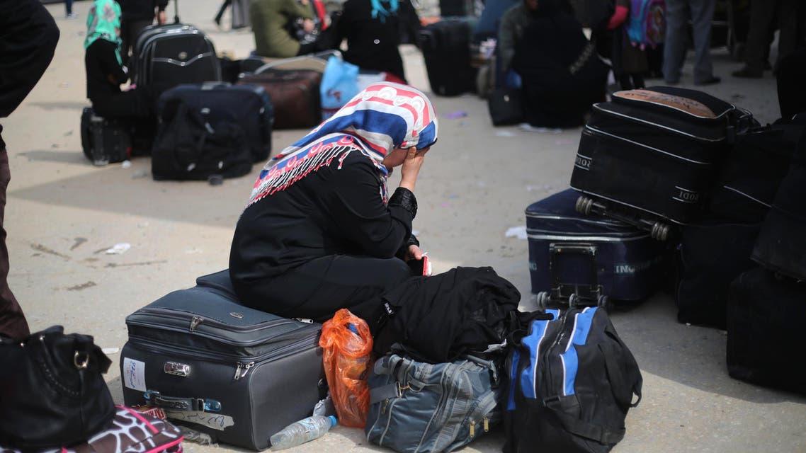 Palestinians await to enter Egypt