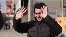 Neighborhood secretly learns sign language to surprise deaf man