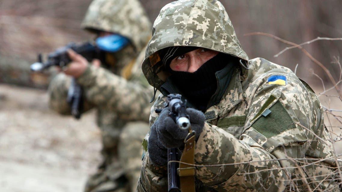U.S. blacklists more Ukrainian rebels, expands non-lethal aid (Reuters)