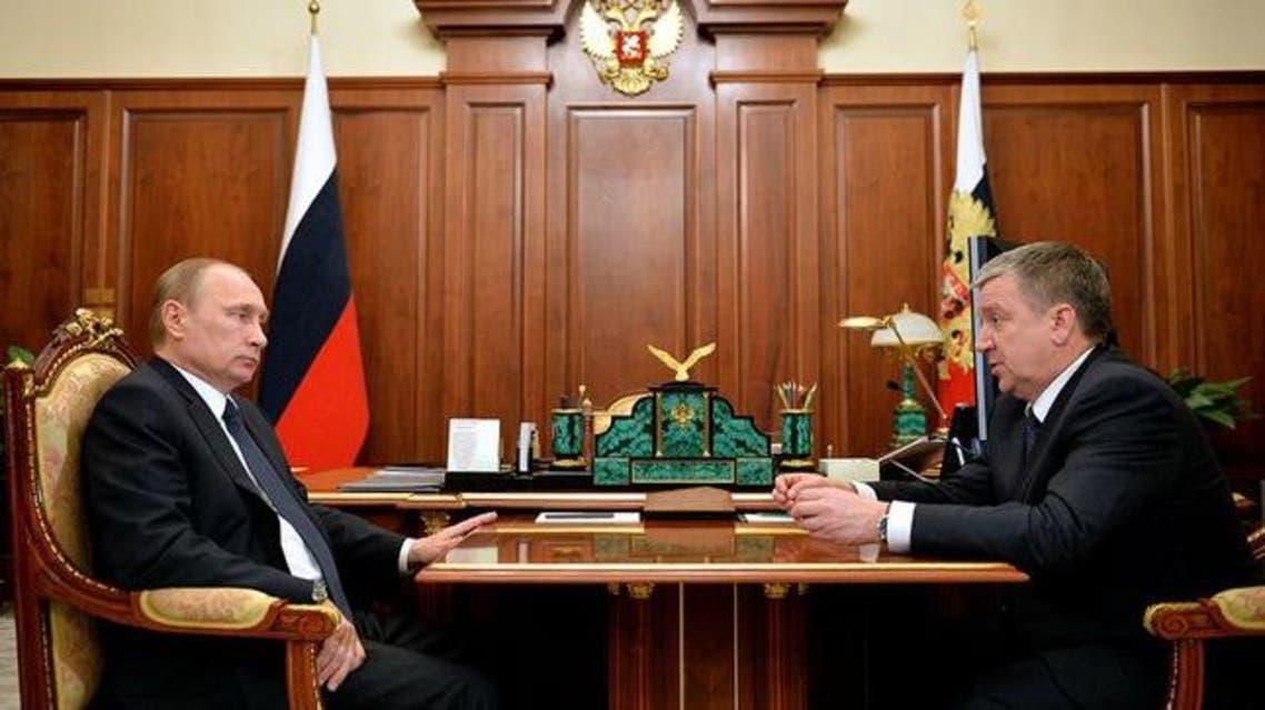 الرئيس الروسي، فلاديمير بوتين، مجتمعاً مع رئيس المحكمة العليا للبلاد فياتشيسلاف ليبيديف