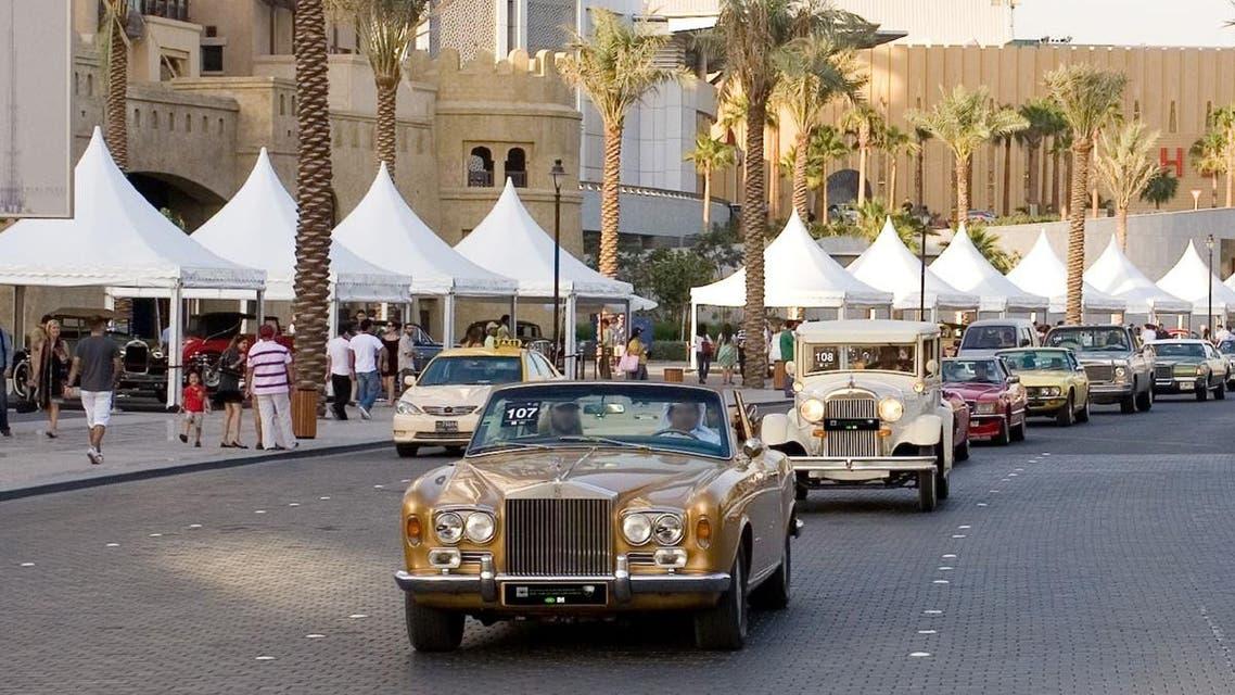 سيارات في أحد شوارع دبي
