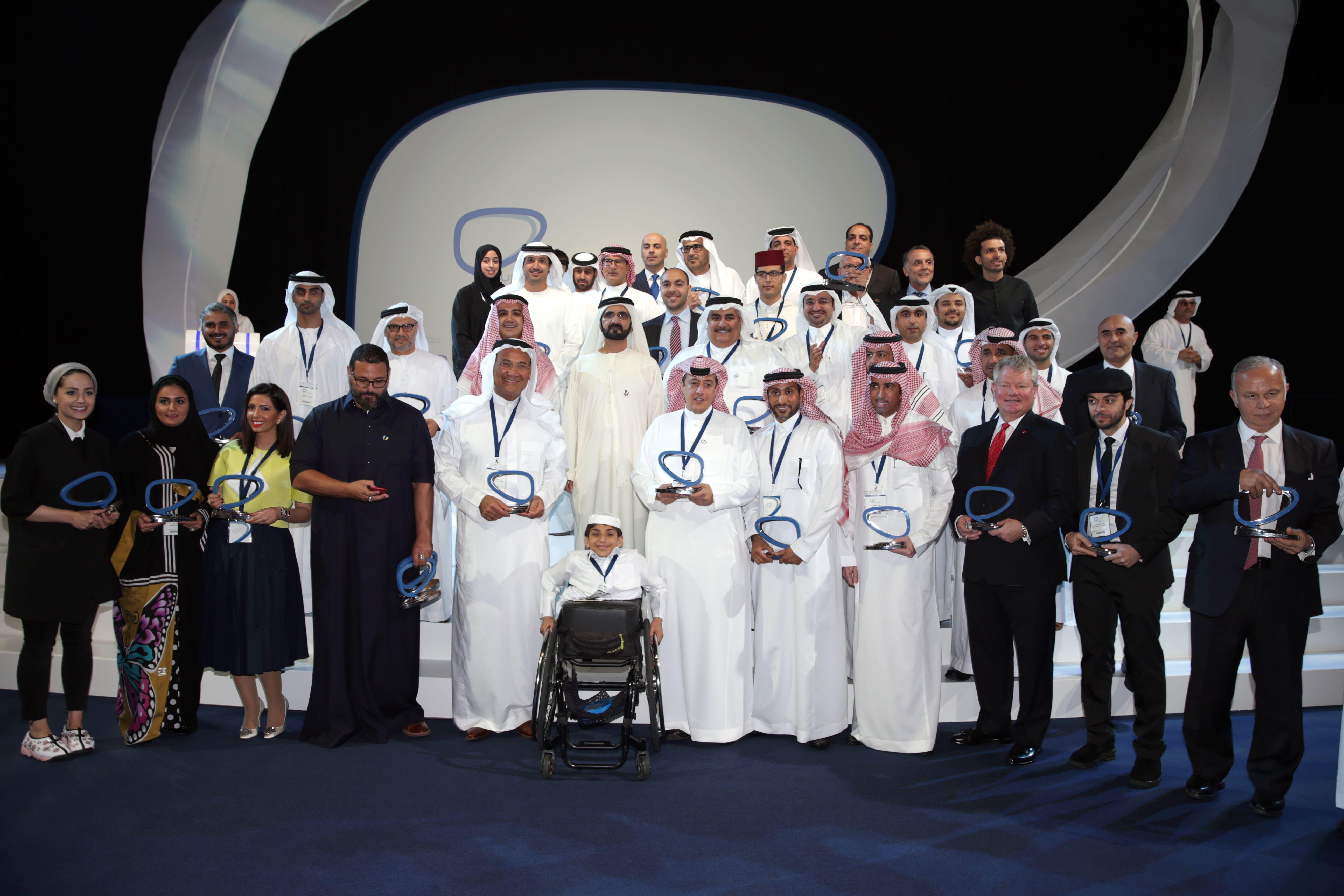 The winners of the Arab Social Media Influencers Awards taking a picture with Dubai Ruler Sheikh Mohammed bin Rashid al-Maktoum. (Courtesy: Dubai Media Office)