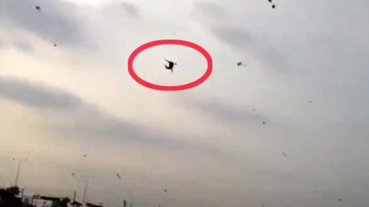 شاهد طائرة ورقية تطير بطفل ليسقط من ارتفاع 7 طوابق