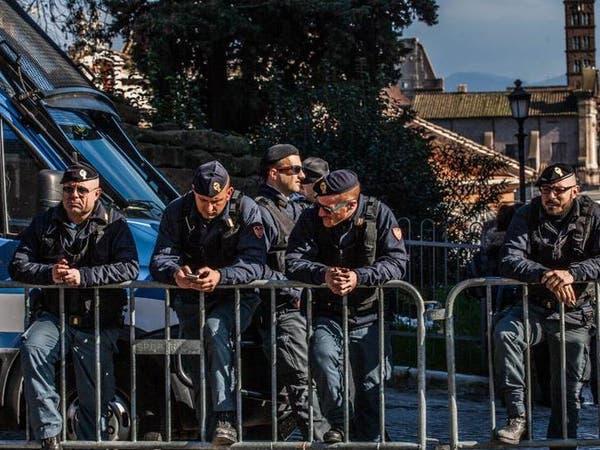 إيطاليا: اعتقلنا مهربي بشر يقودهم إرهابي متطرف