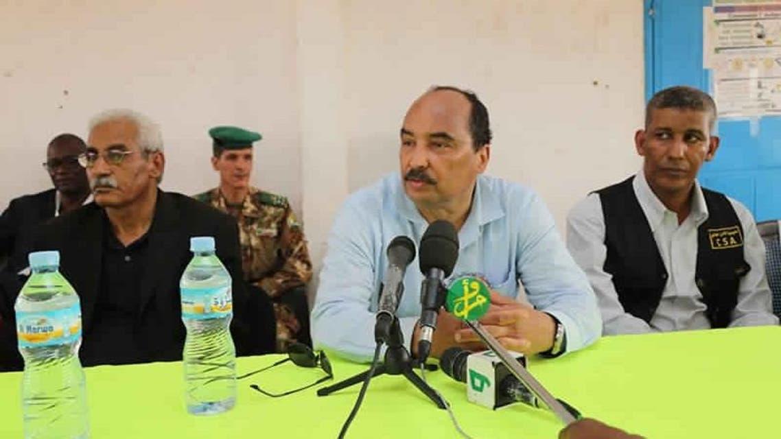 الرئيس الموريتاني في اجتماع مع المسؤولين عن المخيم