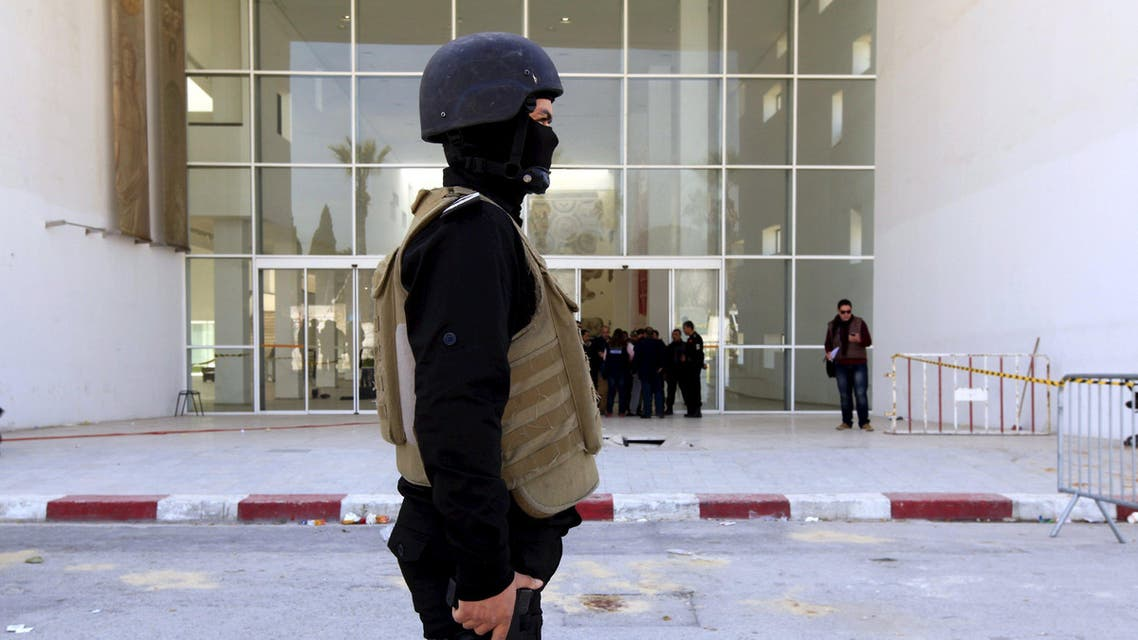 Policemen guard the entrance of the Bardo museum in Tunis March 19, 2015. (File: Reuters)