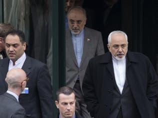 برلمان إيران يطالب ظريف وصالحي بشرح ملابسات انفجار نطنز