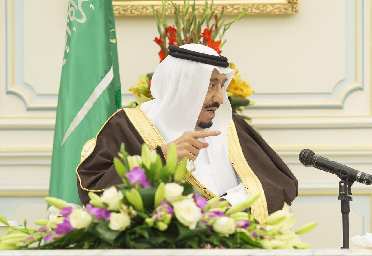 الملك سلمان خلال كلمته التي ألقاها خلال الاستقبال.(عدسة: بندر الجلعود)