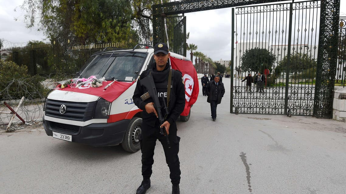 A member of the Tunisian special forces stands at the entrance of the Bardo Museum on March 20, 2015 in Tunis, two days after gunmen attacked the museum. (AFP)