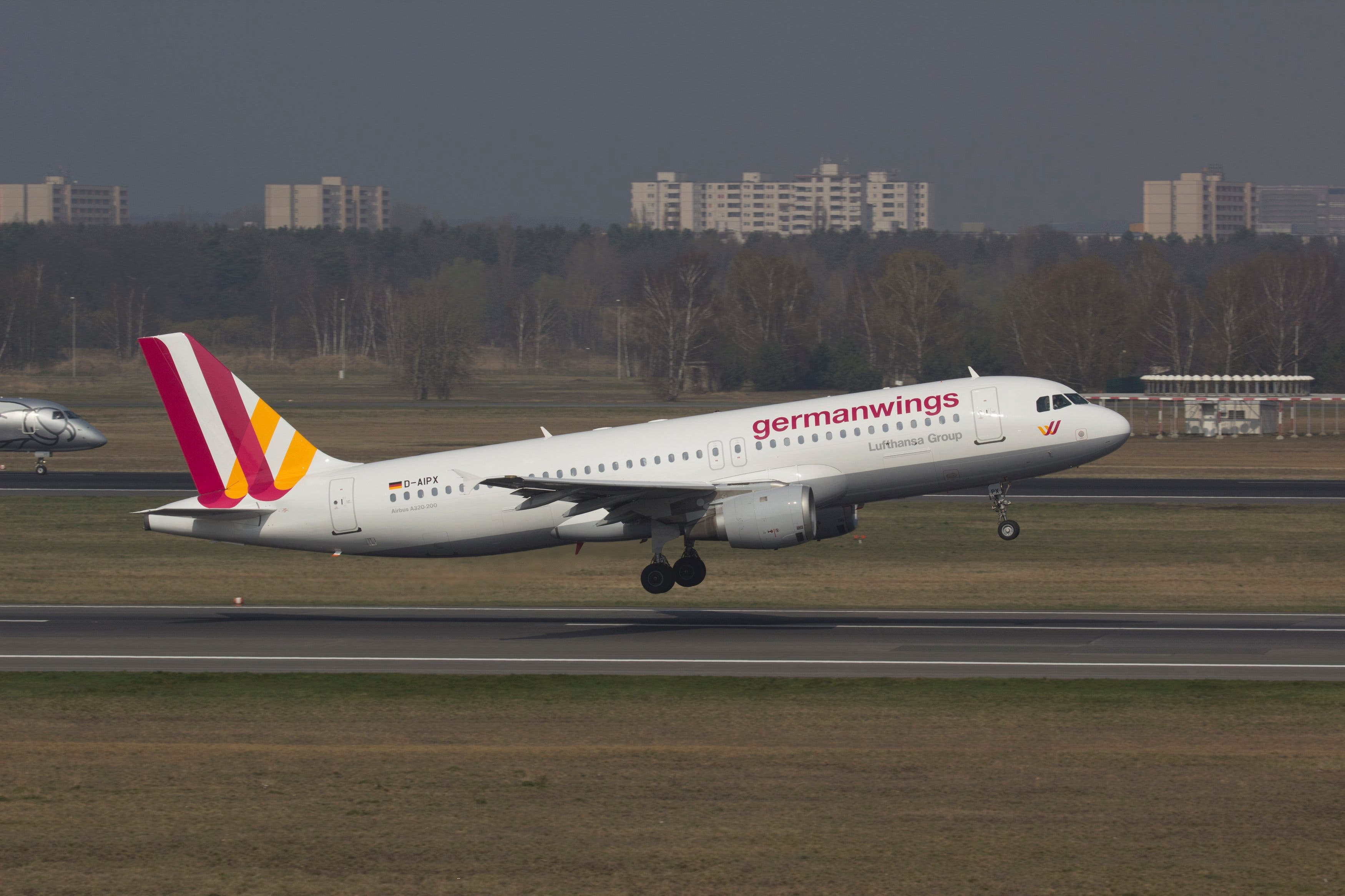 A Germanwings Airbus A320 registration D-AIPX is seen at the Berlin airport in this March 29, 2014 file photo. (Reuters))