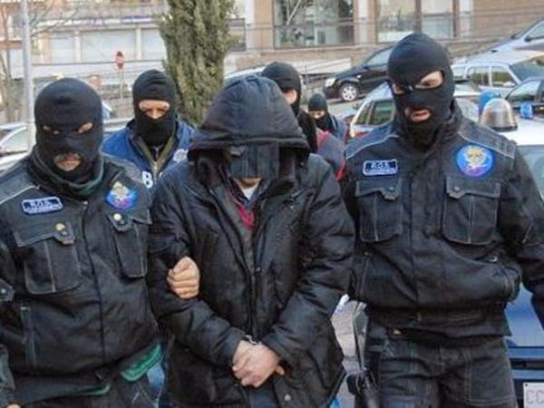 بيتزا ومباراة وملابس تنكرية أوقعت أخطر مجرمي إيطاليا