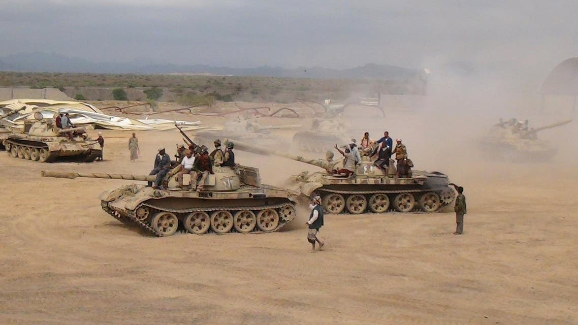 Southern People's Resistance militants loyal to Yemen's President Abd-Rabbu Mansour Hadi move tanks from the al-Anad air base in the country's southern province of Lahej March 24, 2015.  (Reuters)