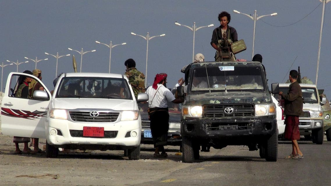 Militants loyal to Yemen's President Abd-Rabbu Mansour Hadi patrol in the southern port city of Aden March 23, 2015.  (Reuters)
