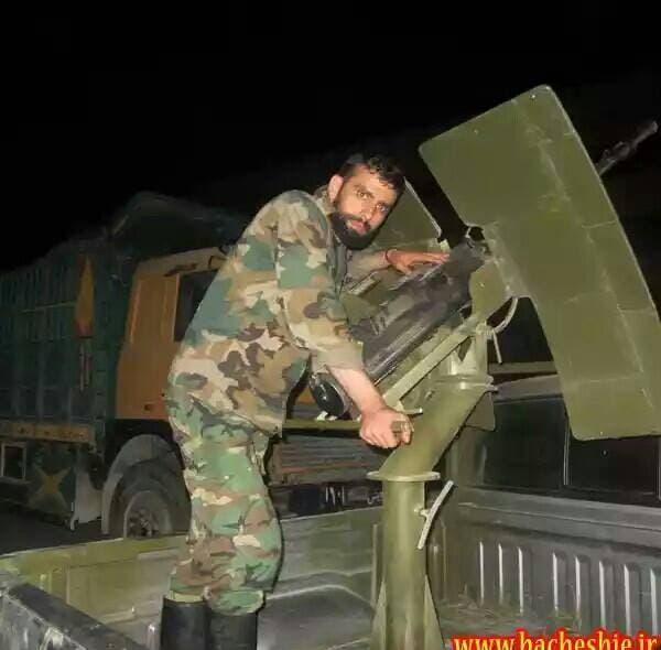 """علي رضا اخوان و هو رادود ايراني في مدينة طهران قتل في سوريا""""حمص"""" عام 2013"""
