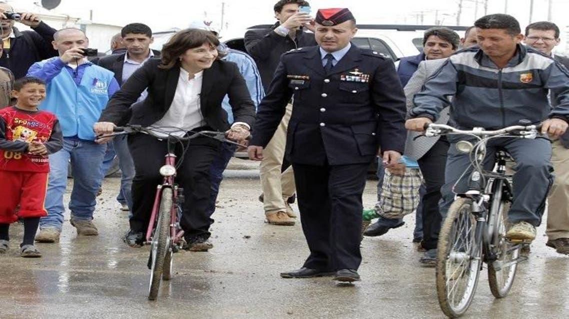 امستردام توزع دراجات هوائية على اللاجئين السوريين في الزعتري