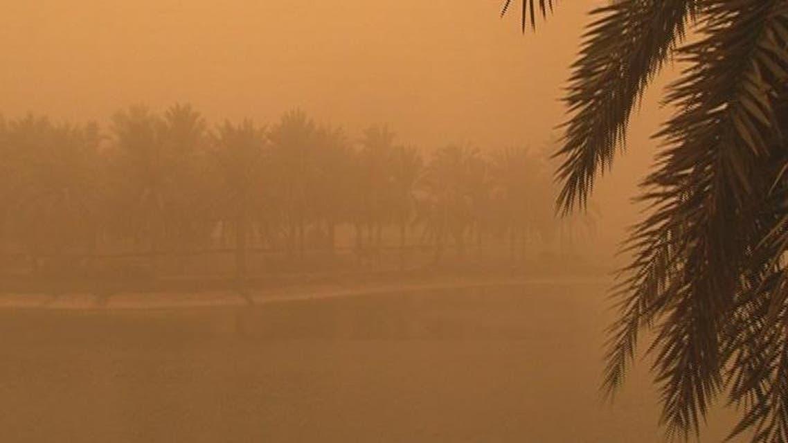 THUMBNAIL_ العاصفة الرملية تصل  الإمارات بعد السعودية والبحرين
