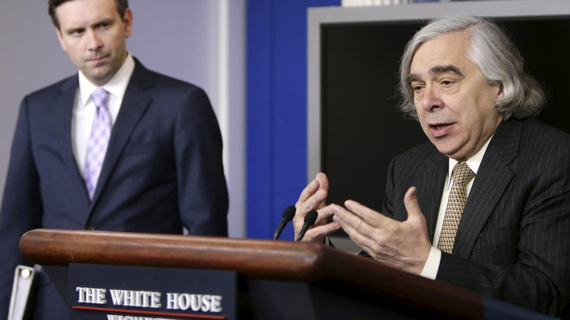 U.S. Secretary of Energy Ernest Moniz (R) discusses the recent preliminary nuclear deal between Iran and six world powers during the White House daily briefing in Washington April 6, 2015. (Reuters)