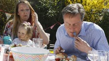 British PM mocked for eating hot dog with knife and fork