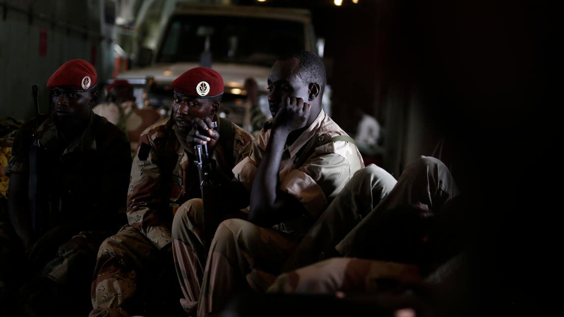 Chadian soldiers sit in a military transport plane as they head to Diffa, Niger before transferring to a helicopter bound for Damasak, Nigeria, Wednesday, March 18, 2015. (File Photo: AP)