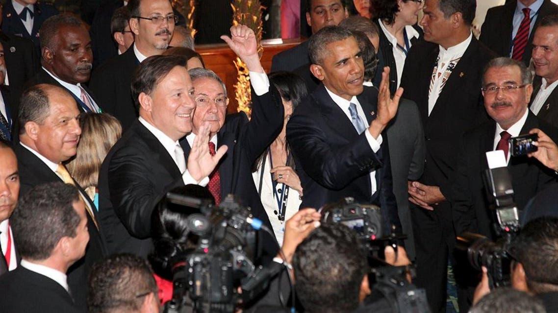 الرئيس الأمريكي باراك أوباما ورئيس كوبا راؤول كاسترو