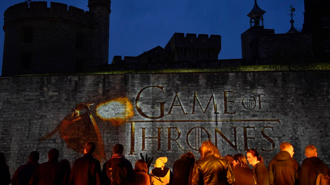 """Fans wait for guests to arrive at the world premiere of the television fantasy drama """"Game of Thrones"""" series 5, at The Tower of London, March 18, 2015. REUTERS"""