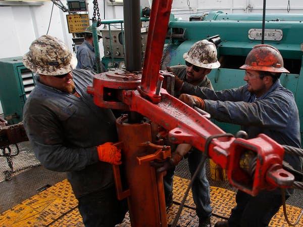 هبوط النفط يهوي بأرباح شيفرون وإكسون موبيل بشدة