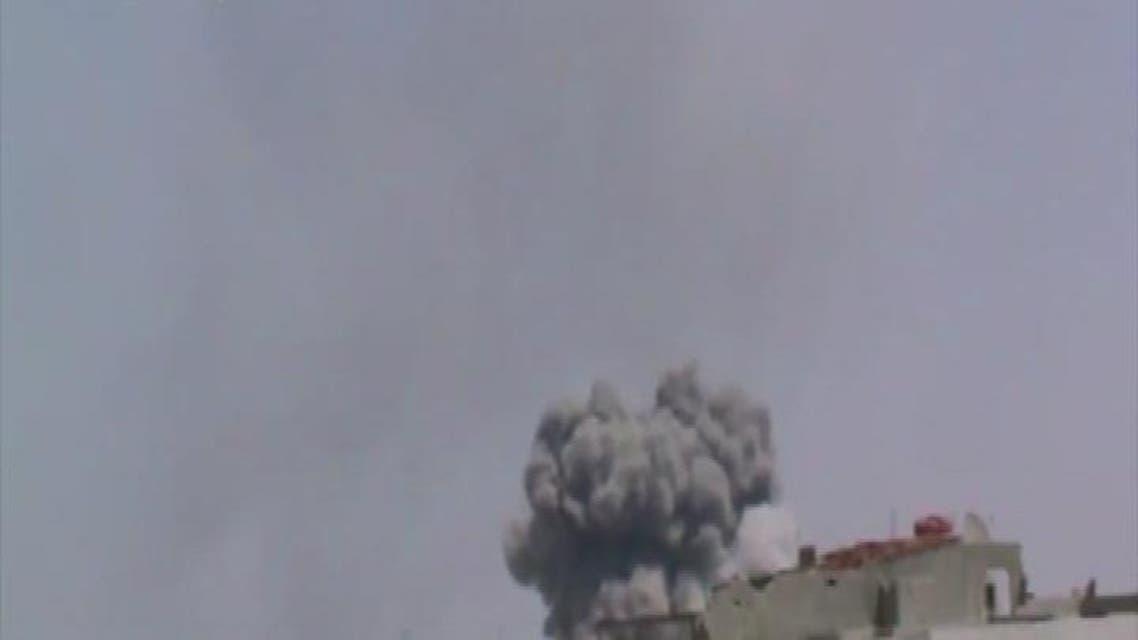 THUMBNAIL_ مروحيات الأسد تلقي براميل متفجرة تحتوي غاز الكلور