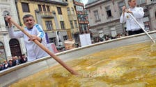 Bosnians hope to break world record for biggest chicken stew