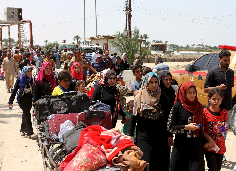 Iraqis flee Ramadi violence