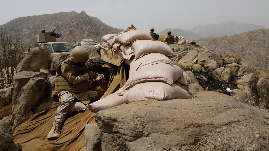Saudi soldiers on watch from behind sandbag barricade at the border with Yemen in Jazan, Saudi Arabia, Monday, April 20, 2015. (AP)