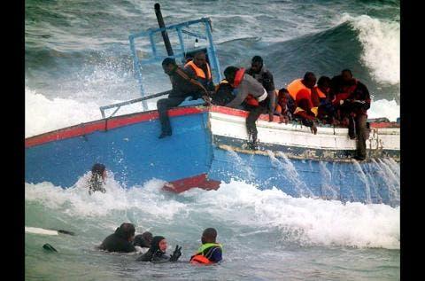 غرق المهاجرين غير الشرعيين في البحر الابيض المتوسط قبالة سواحل اوروبا