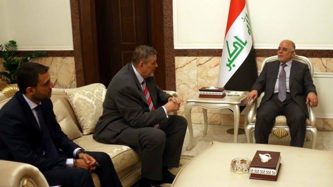 رئيس الوزراء العراقي حيدر العبادي، مع ممثل الأمم المتحدة