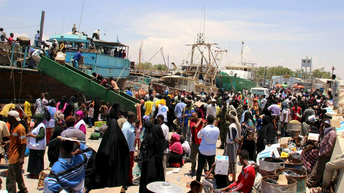 Hundreds of families fleeing the ongoing violence in Yemen, seen arriving at the port of Bosasso in Somalia's Puntland region, April 26, 2015. (Reuters)