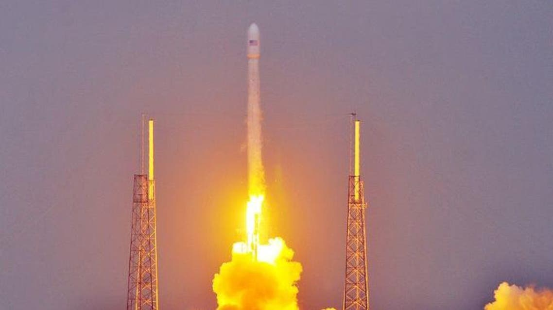 إطلاق صاروخ حاملاً أول قمر صناعي لتركمانستان