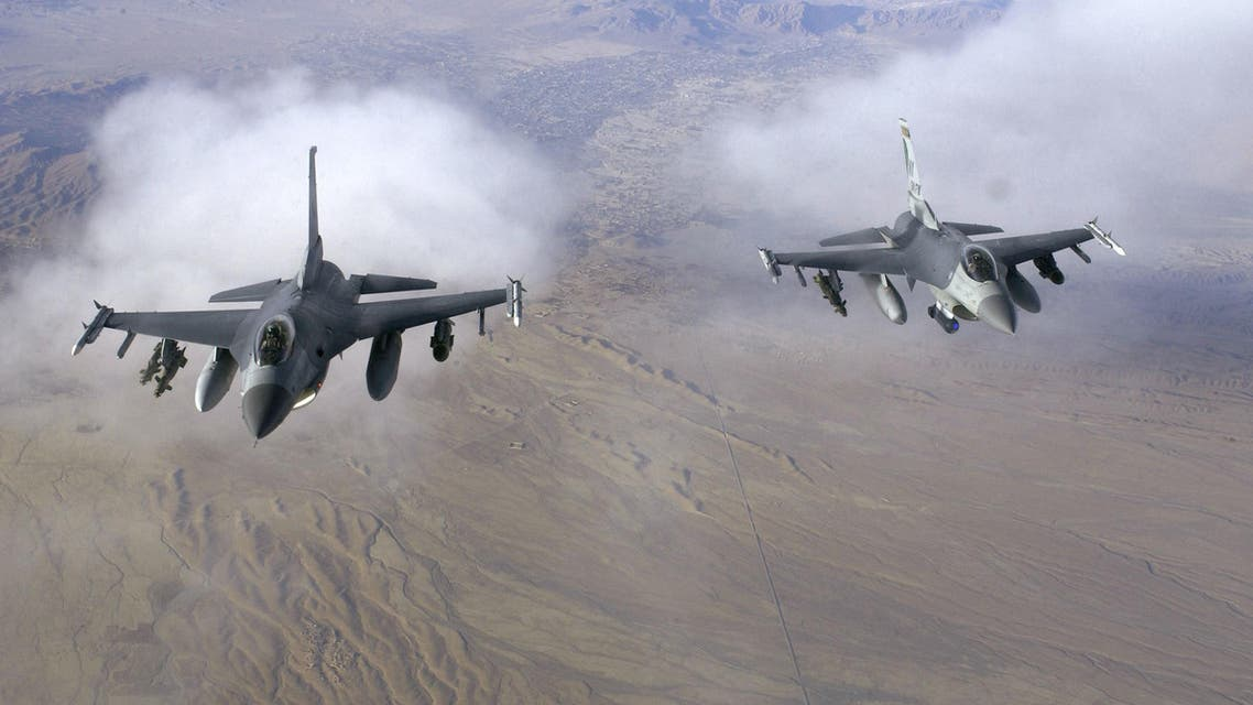 أميركا ترسل مقاتلات لمدينة تحاصرها طالبان