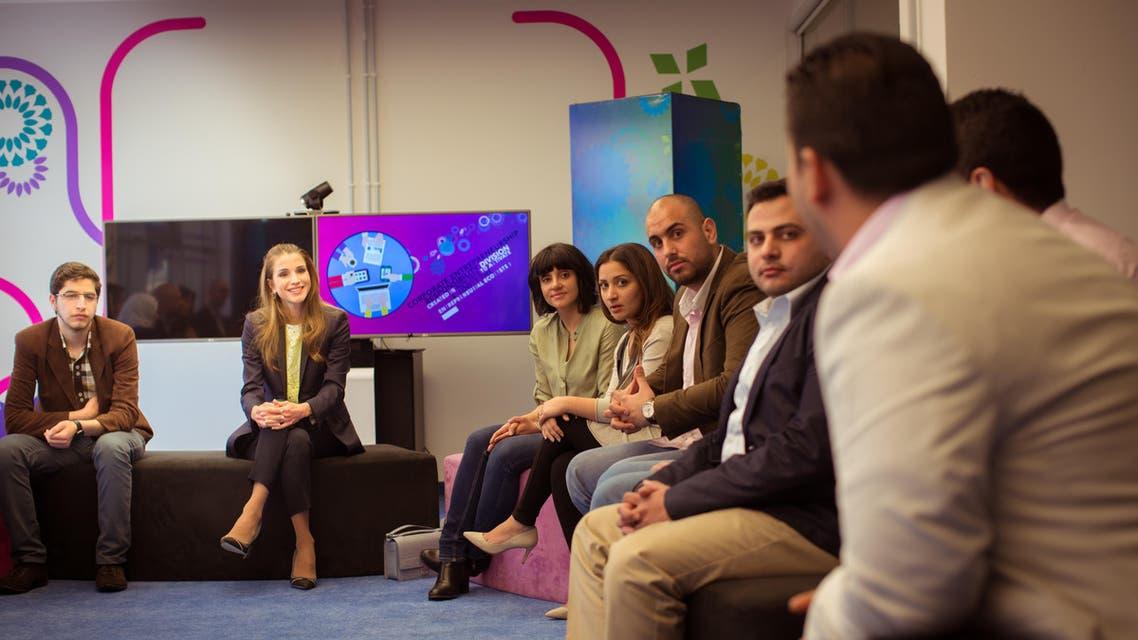 جلالة الملكة رانيا العبدالله تزور منصة زين للإبداع وتلتقي عددا من الشباب الاردني المبدع من أصحاب المشاريع الناشئة