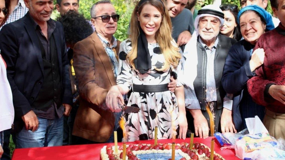 الفنانة سابين والمخرج مروان حداد وسمير حبشي مع فريق عمل المسلسل