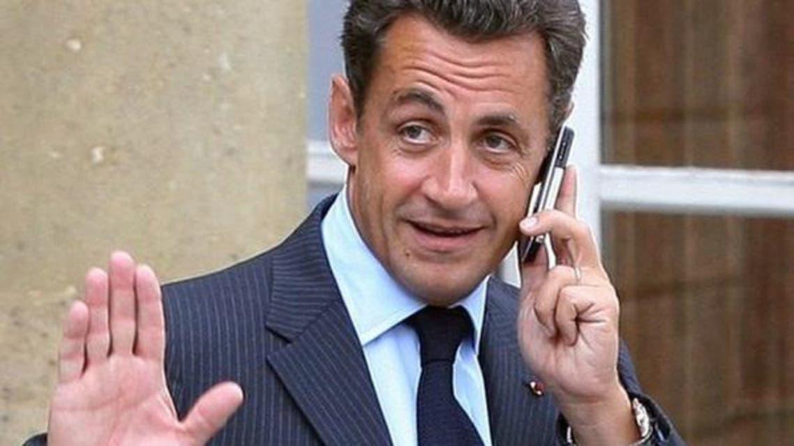نيكولا ساركوزي على الهاتف