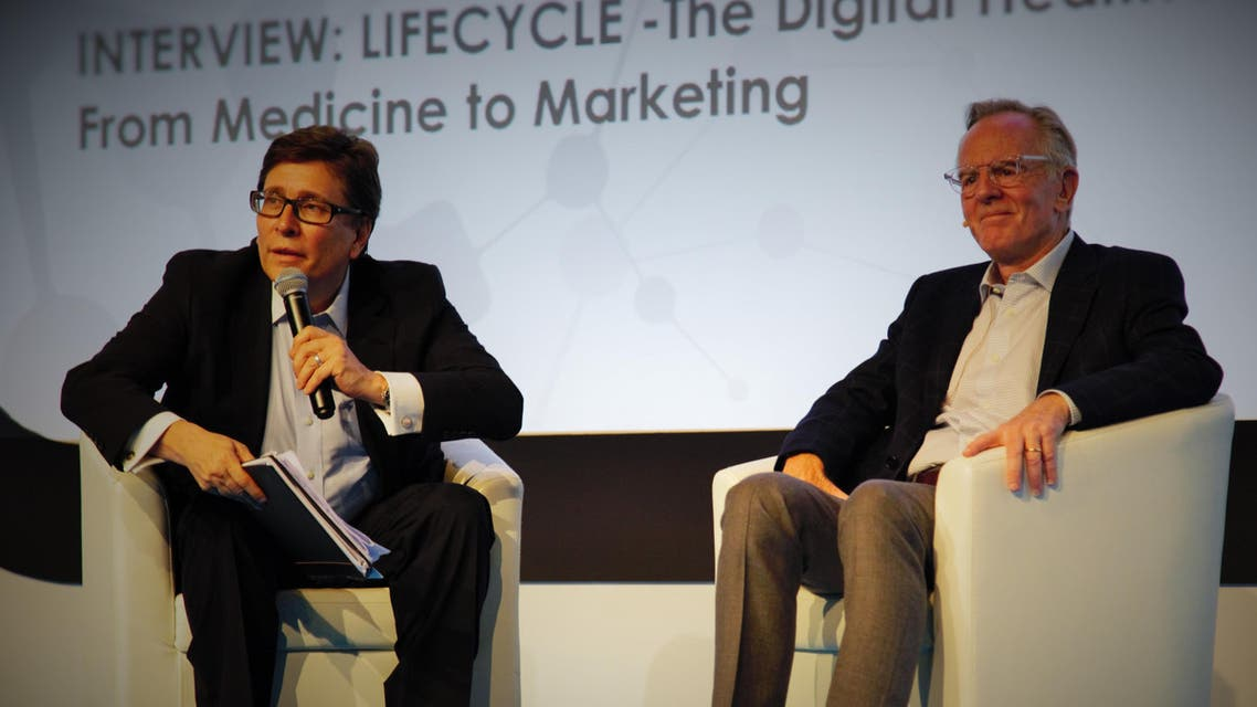 John Sculley (right) addresses the audience at Digital Health Live, quizzed by event chair John Nosta. (Supplied)