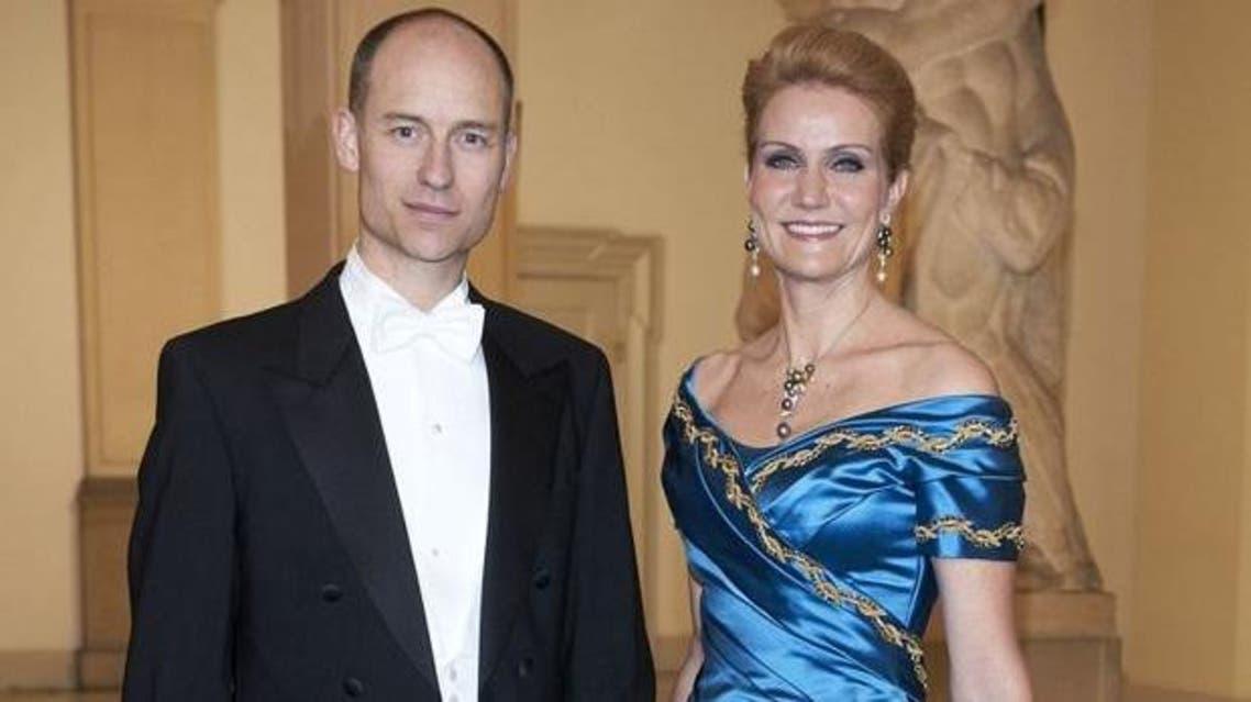 رئيسة وزراء الدنمارك هيلي ثورنينغ- شميت وزوجها البريطاني ستيفن كينوك
