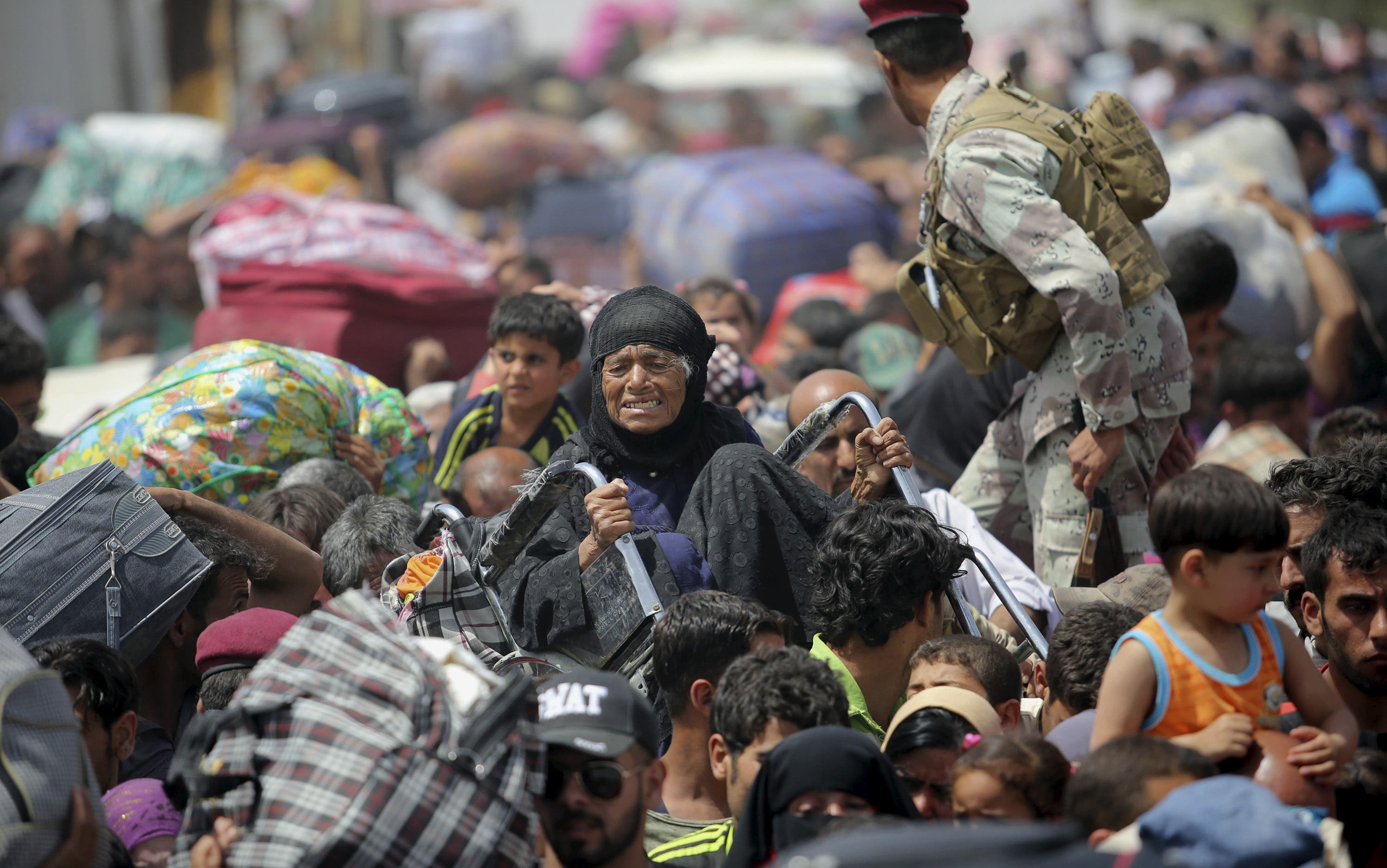 Displaced Iraqis arrive in Baghdad