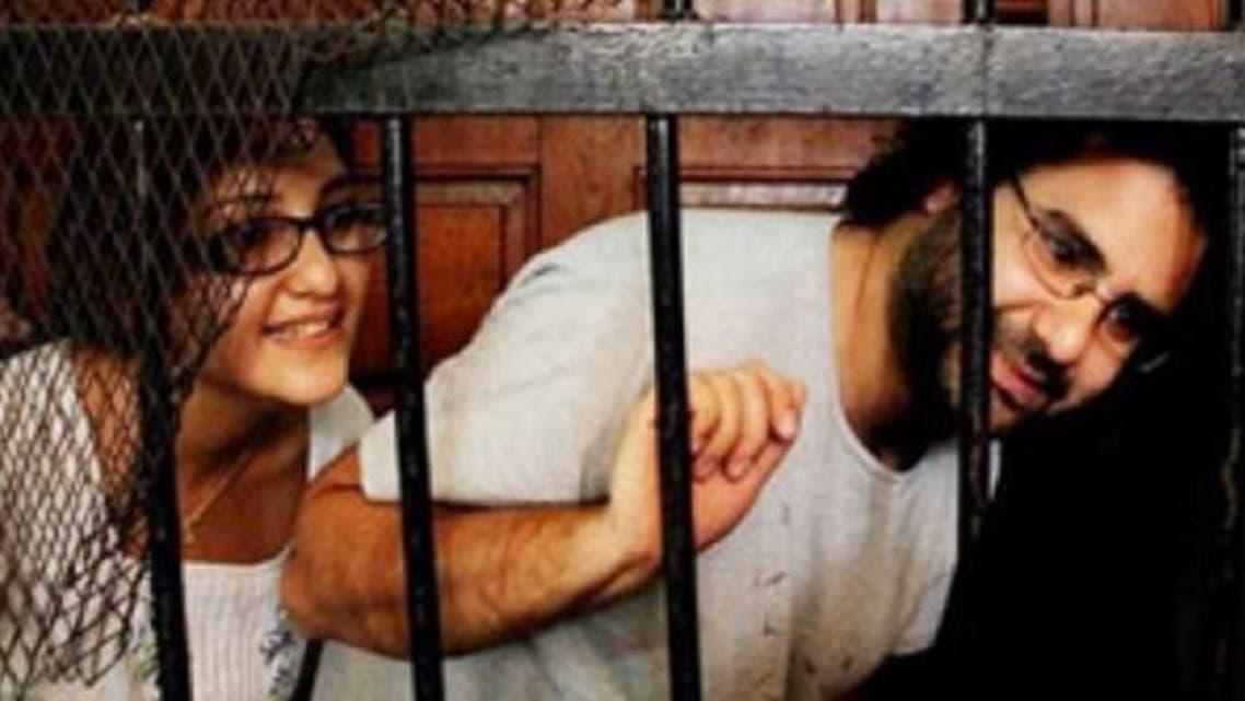 علاء عبدالفتاح وشقيقته