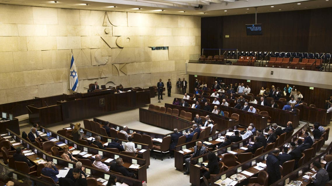 A general view shows the plenum during a session at the Knesset, the Israeli parliament, in Jerusalem May 13, 2015. Netanyahu's emerging government scraped by its first parliamentary test on Wednesday, paving the way for the new cabinet to be sworn in after two months of difficult coalition building. REUTERS/Ronen Zvulun