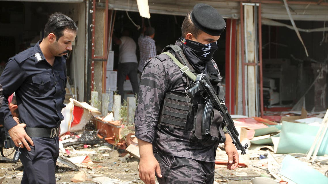 Iraq security forces inspect the site of a car bomb attack in Baghdad May 9, 2015. (File: Reuters)
