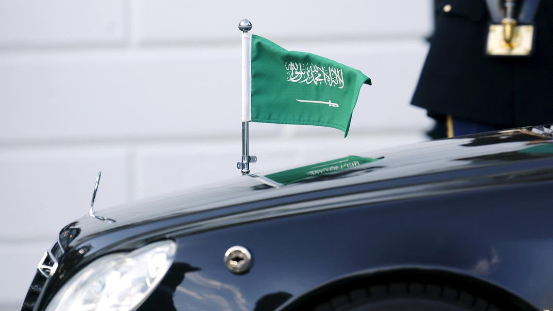The car carrying Saudi Arabia's Crown Prince Mohammed bin Nayef arrives on the South Lawn as U.S. President Barack Obama plays host to leaders and delegations from the Gulf Cooperation Council countries at the White House in Washington May 13, 2015. REUTERS/Jonathan Ernst