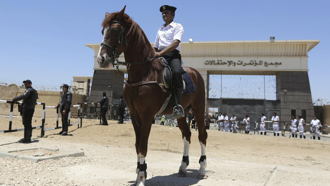 A policeman on horseback takes position during the trial of ousted Egyptian President Mohamed Mursi and Muslim brotherhood leaders at a court in the outskirts of Cairo, Egypt May 16, 2015. (File: Reuters)