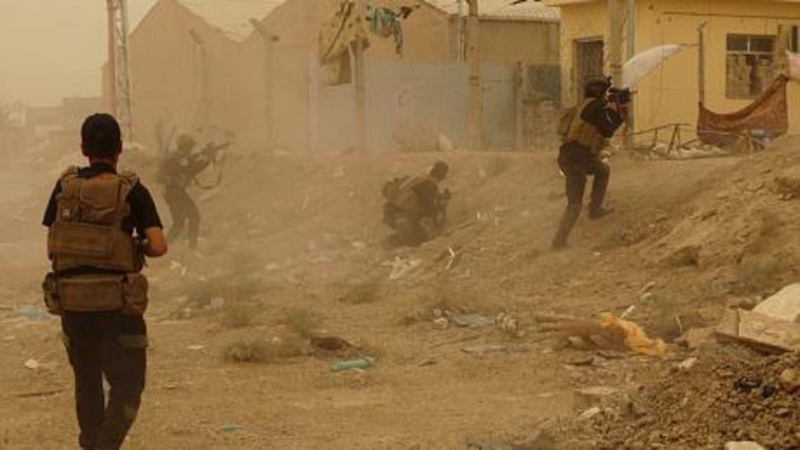قوات الجيش العراقي أثناء الاشتباكات مع داعش في الرمادي العراق