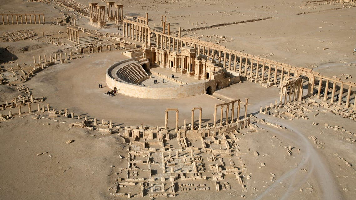 """An aerial view taken on January 13, 2009 shows a part of the ancient city of Palmyra. Islamic State group jihadists seized Syria's Palmyra on Thursday, as UNESCO warned that the destruction of the ancient city would be """"an enormous loss to humanity"""". AFP"""
