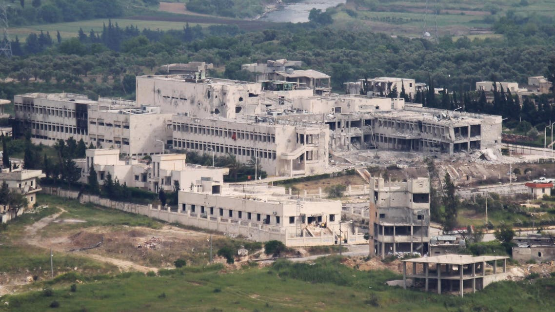 A general view shows a besieged hospital, the last remaining Syrian army foothold in the town of Jisr al-Shughour, in the province of Idlib May 3, 2015. REUTERS